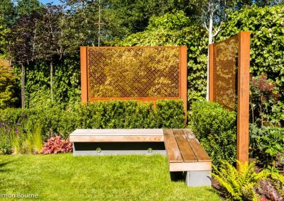 Corten steel screens with seating